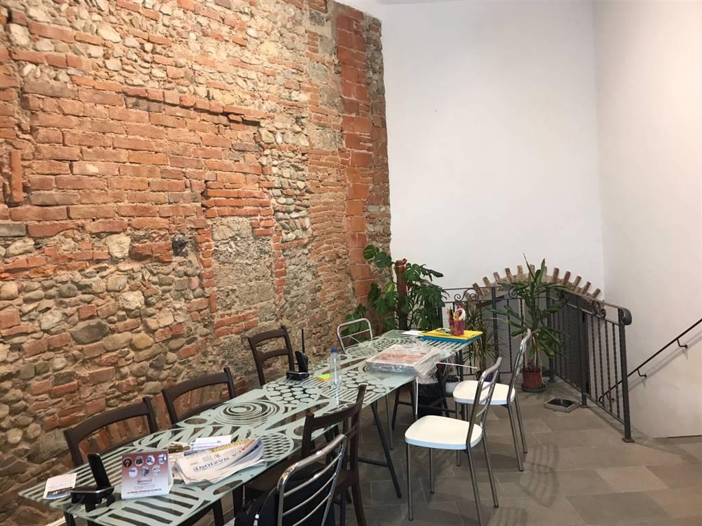 Negozio / Locale in vendita a Campi Bisenzio, 3 locali, prezzo € 180.000 | CambioCasa.it