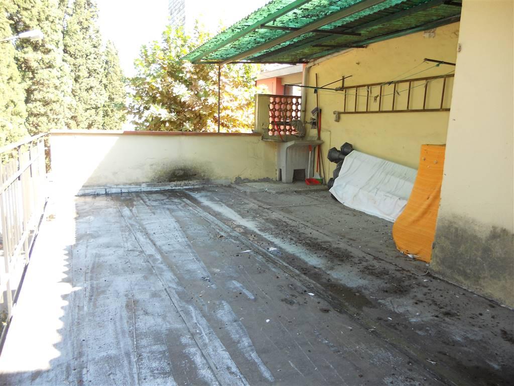 Soluzione Indipendente in vendita a Poggio a Caiano, 6 locali, prezzo € 220.000 | CambioCasa.it