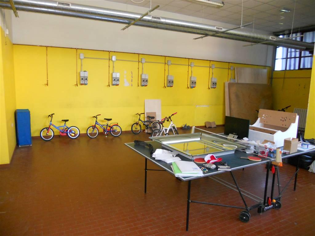 Laboratorio in affitto a Signa, 3 locali, zona Zona: San Piero a Ponti, prezzo € 850 | CambioCasa.it