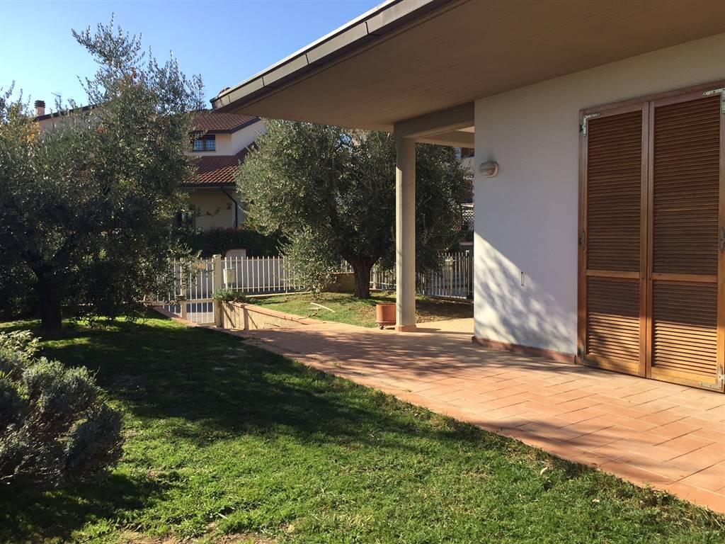 Soluzione Indipendente in vendita a Poggio a Caiano, 6 locali, prezzo € 650.000 | CambioCasa.it