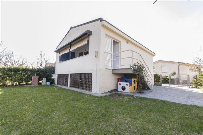 Villino, Piombino, in ottime condizioni