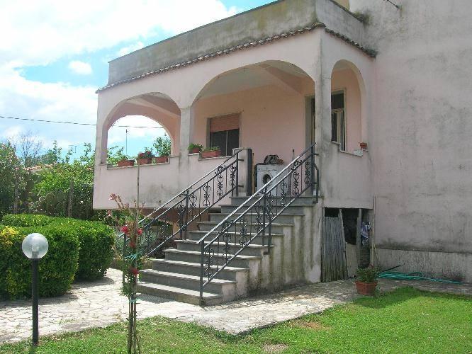 Latina annunci immobiliari di case e appartamenti nella for Appartamento affitto aprilia arredato