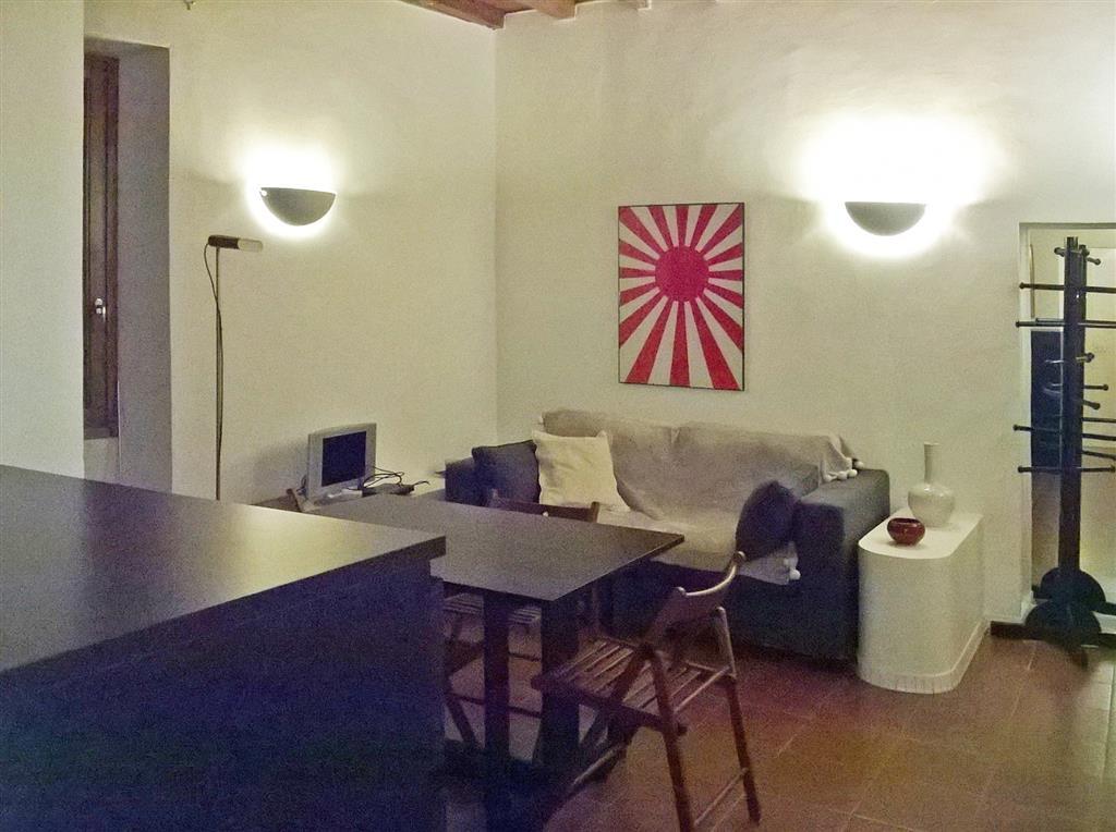 Affitto Bilocale, Centro Duomo, Firenze, ristrutturato, primo piano, riscaldamento autonomo ...