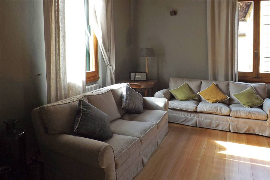 MAZZINI, FIRENZE, Appartamento in affitto di 180 Mq, Ristrutturato, Riscaldamento Autonomo, Classe energetica: G, posto al piano 2°, composto da:  8
