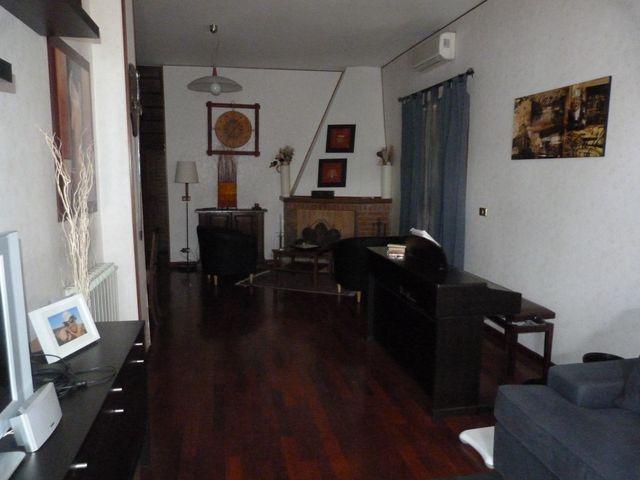 Soluzione Indipendente in vendita a Anagni, 6 locali, prezzo € 199.000 | Cambio Casa.it
