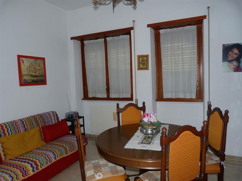 Appartamento in vendita a Anagni, 5 locali, prezzo € 75.000   Cambio Casa.it