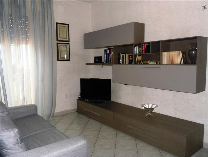 Appartamento in vendita a Chiaravalle, 4 locali, prezzo € 115.000 | CambioCasa.it