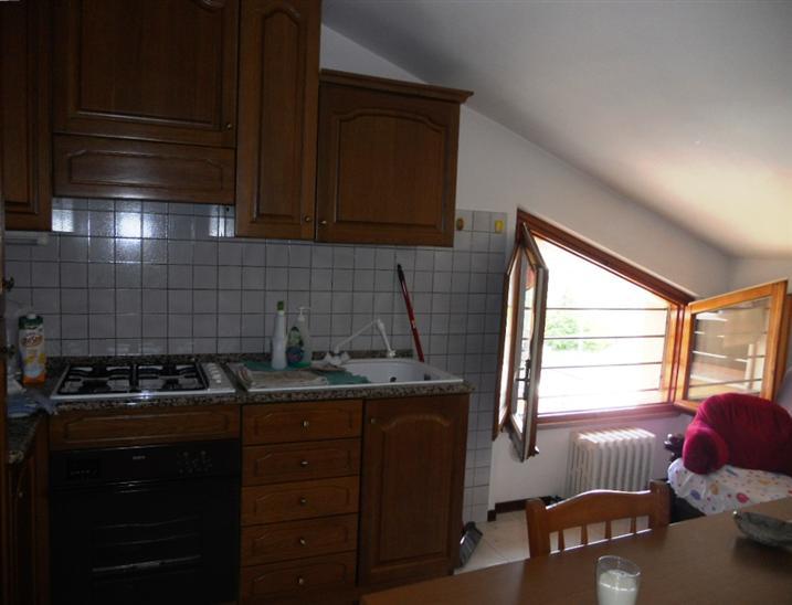 Attico / Mansarda in affitto a Monte San Vito, 2 locali, zona Zona: Borghetto, prezzo € 350 | CambioCasa.it