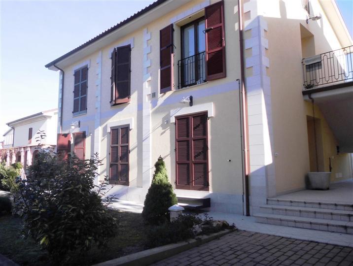 Appartamento in affitto a Chiaravalle, 2 locali, prezzo € 400 | CambioCasa.it