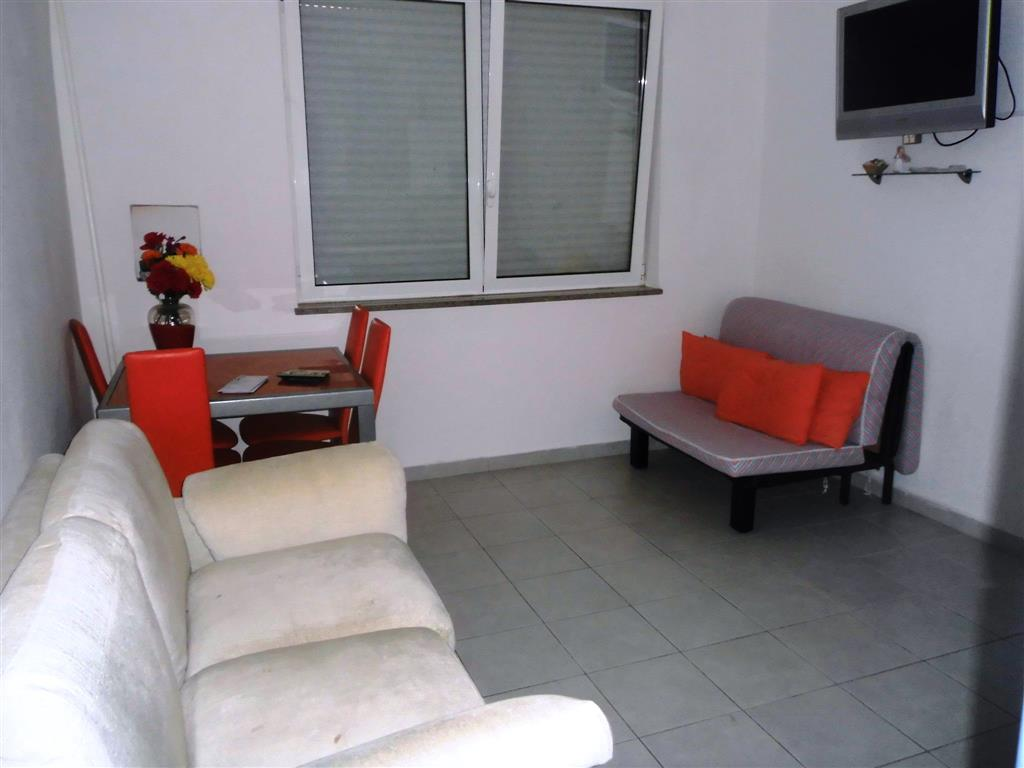 Appartamento in affitto a Falconara Marittima, 2 locali, zona Zona: Castelferretti, prezzo € 400 | Cambio Casa.it
