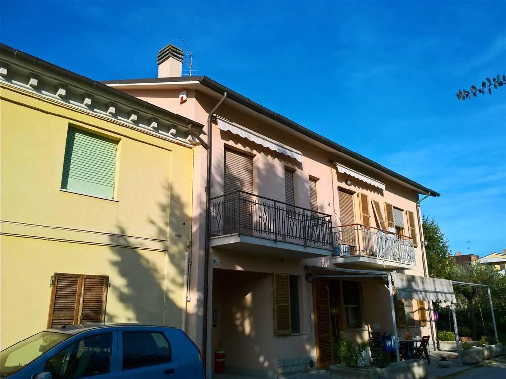 Appartamento in vendita a Camerata Picena, 5 locali, zona Località: PIANE, prezzo € 90.000 | Cambio Casa.it