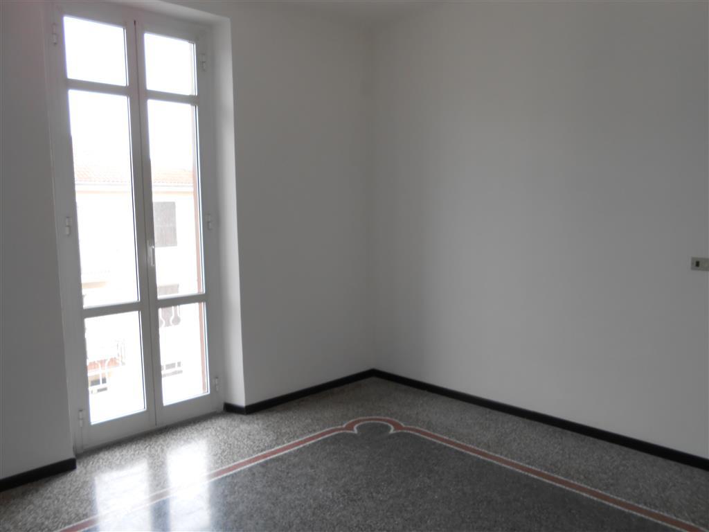 Appartamento in affitto a Cairo Montenotte, 6 locali, prezzo € 400 | Cambio Casa.it