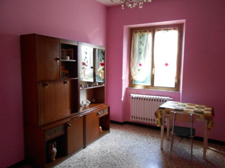 Soluzione Indipendente in vendita a Cairo Montenotte, 7 locali, prezzo € 135.000 | Cambio Casa.it