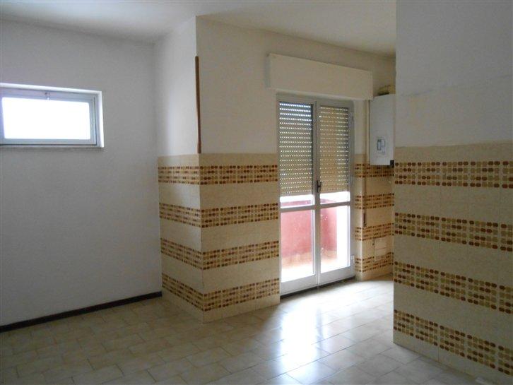 Appartamento in affitto a Cairo Montenotte, 4 locali, prezzo € 400 | Cambio Casa.it