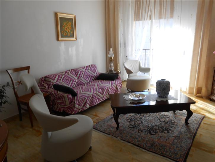 Appartamento in vendita a Savona, 4 locali, prezzo € 200.000 | Cambio Casa.it
