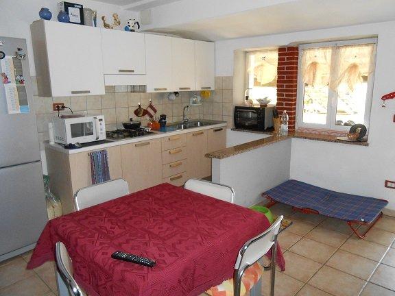 Soluzione Semindipendente in vendita a Cairo Montenotte, 5 locali, zona Zona: Carnovale, prezzo € 75.000 | Cambio Casa.it