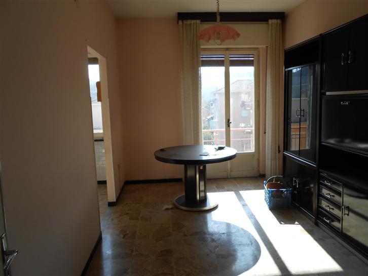 Appartamento in vendita a Carcare, 6 locali, prezzo € 79.000 | CambioCasa.it