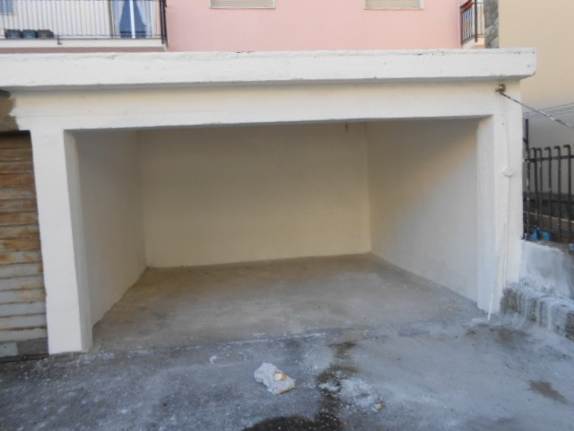 garage-Box-posto auto  in Vendita a Cairo Montenotte