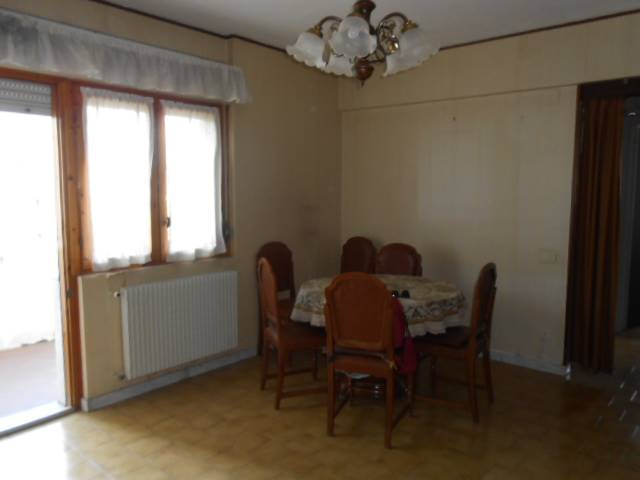 Appartamento in vendita a Cairo Montenotte, 4 locali, prezzo € 55.000 | CambioCasa.it