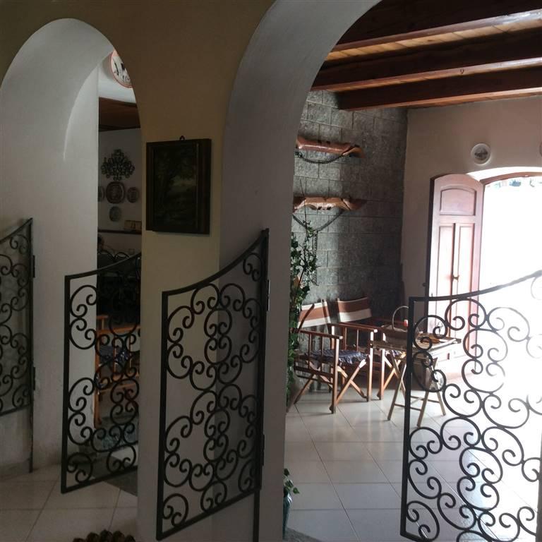 Rustico / Casale in vendita a Plodio, 9 locali, prezzo € 250.000 | Cambio Casa.it
