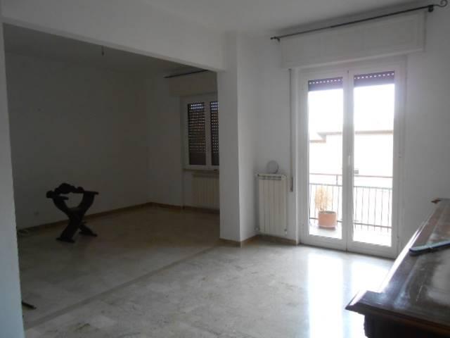 Appartamento in vendita a Cairo Montenotte, 4 locali, prezzo € 98.000 | Cambio Casa.it
