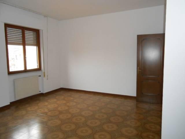 Appartamento in affitto a Cairo Montenotte, 4 locali, prezzo € 380 | Cambio Casa.it