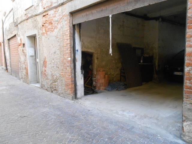 Box / Garage in vendita a Millesimo, 1 locali, prezzo € 18.500 | CambioCasa.it