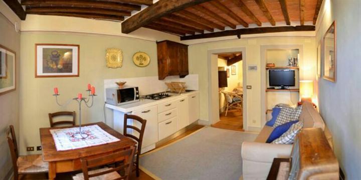 Appartamento in vendita a Cortona, 2 locali, zona Località: CENTRO STORICO, prezzo € 175.000 | CambioCasa.it