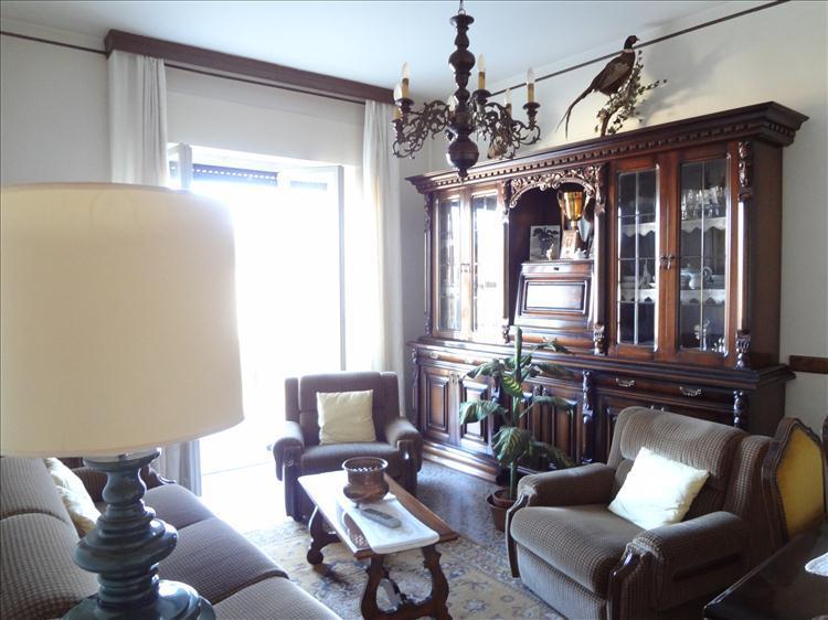 Appartamento in vendita a Cortona, 4 locali, zona Zona: Camucia, prezzo € 70.000 | Cambio Casa.it