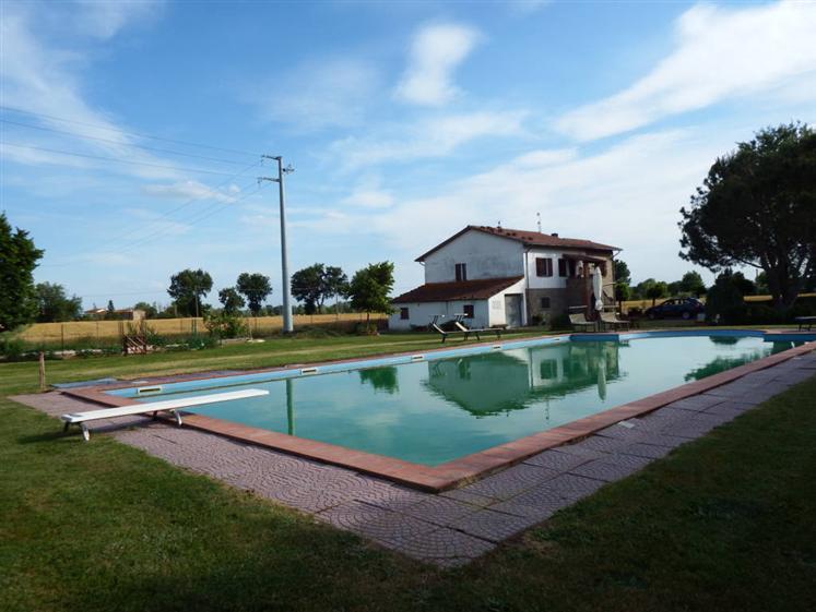 Soluzione Indipendente in vendita a Cortona, 8 locali, zona Zona: Fratta-Santa Caterina, prezzo € 578.000 | Cambio Casa.it