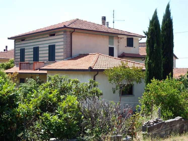 Villa in vendita a Cortona, 6 locali, zona Zona: Camucia, prezzo € 280.000 | CambioCasa.it