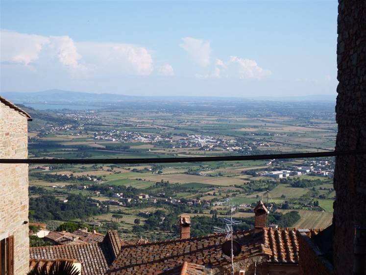 Appartamento in vendita a Cortona, 4 locali, zona Località: CORTONA CENTRO, prezzo € 145.000 | Cambio Casa.it