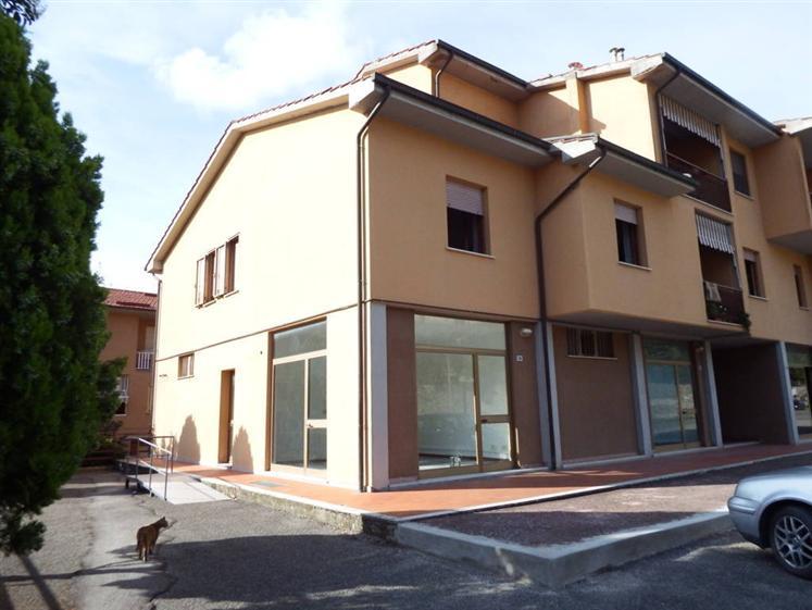 Negozio / Locale in vendita a Cortona, 9999 locali, zona Zona: Camucia, prezzo € 175.000 | Cambio Casa.it