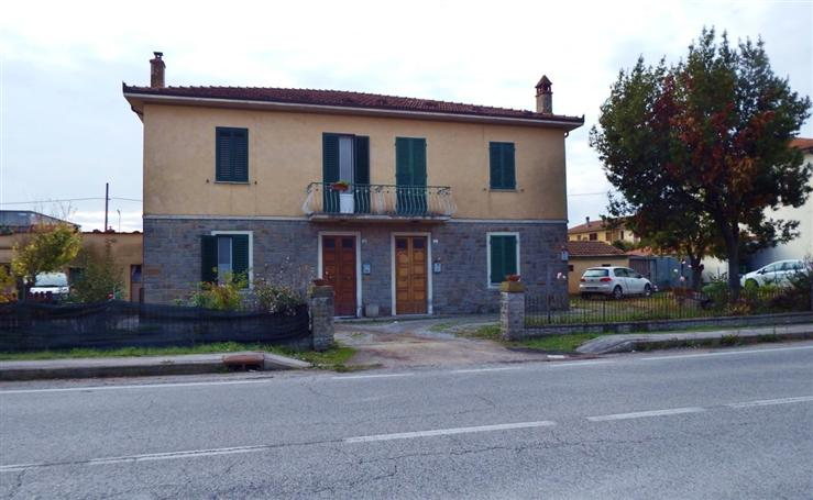 Casa  in Vendita a Cortona