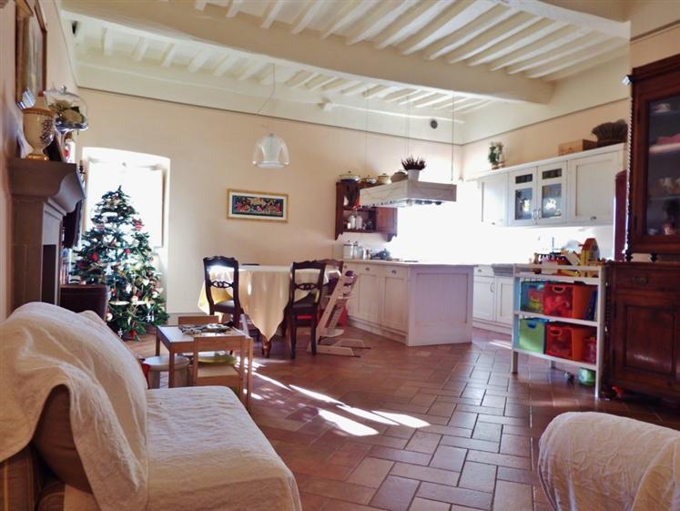 Soluzione Indipendente in vendita a Cortona, 4 locali, zona Località: CORTONA CENTRO, prezzo € 295.000 | Cambio Casa.it