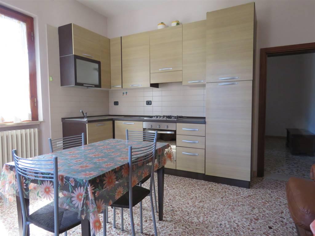 Appartamento in affitto a Cortona, 2 locali, zona Zona: Camucia, prezzo € 350 | CambioCasa.it