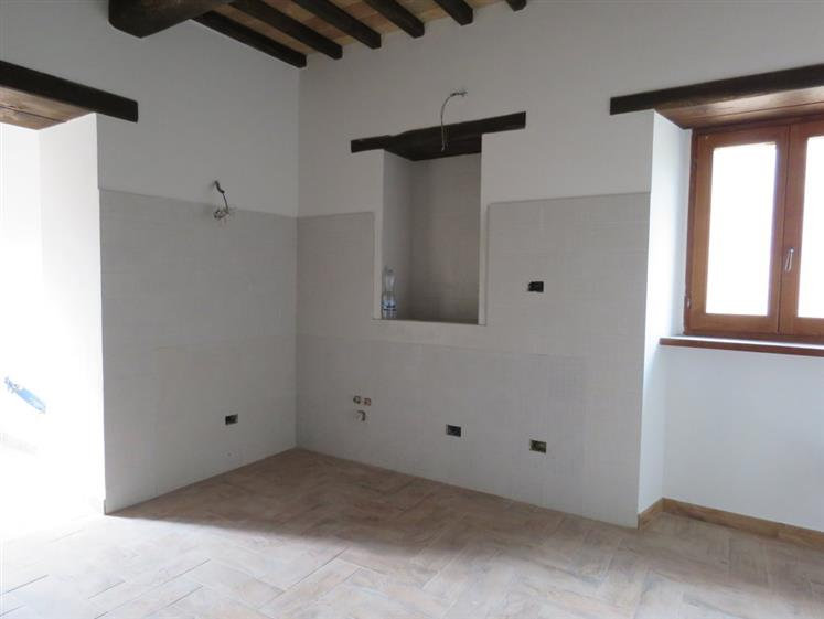 Soluzione Indipendente in Affitto a Cortona