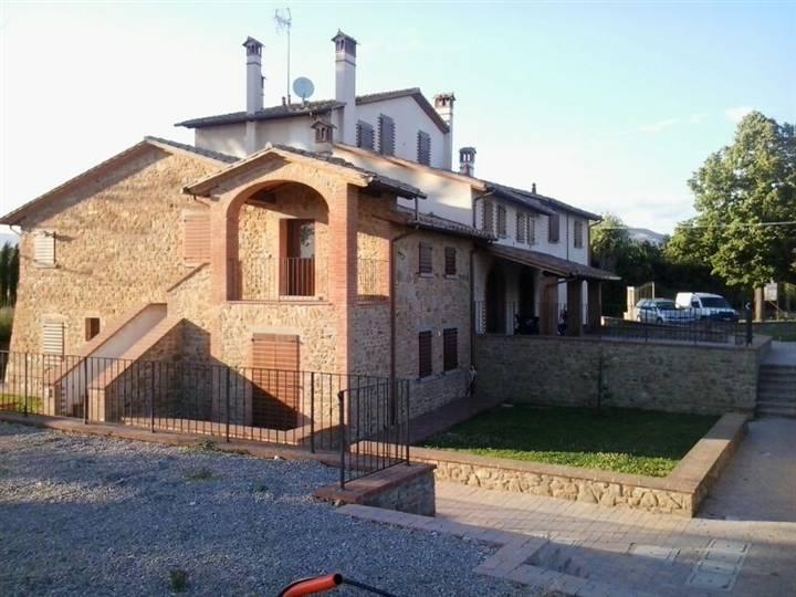 Soluzione Semindipendente in affitto a Castiglion Fiorentino, 4 locali, zona Zona: Montecchio Vesponi, prezzo € 500 | Cambio Casa.it
