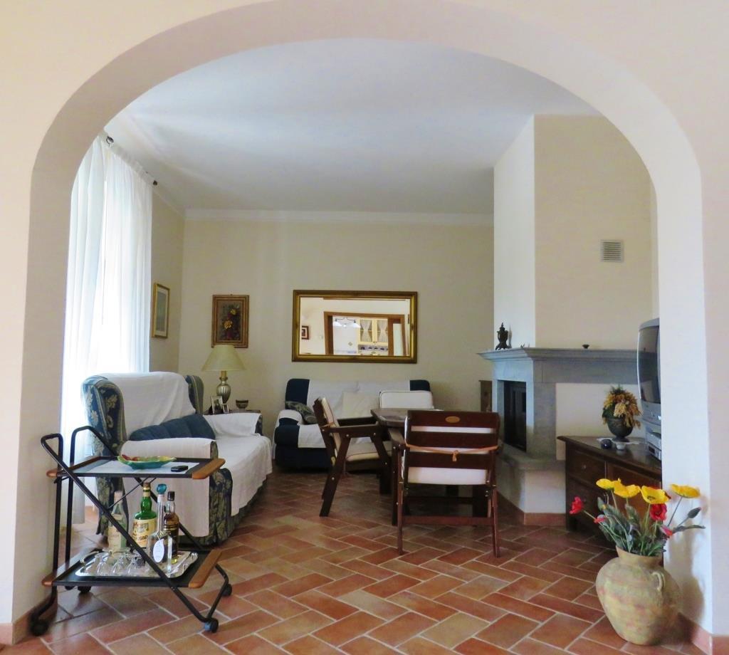 Villa in vendita a Cortona, 5 locali, zona Zona: Camucia, prezzo € 280.000 | Cambio Casa.it