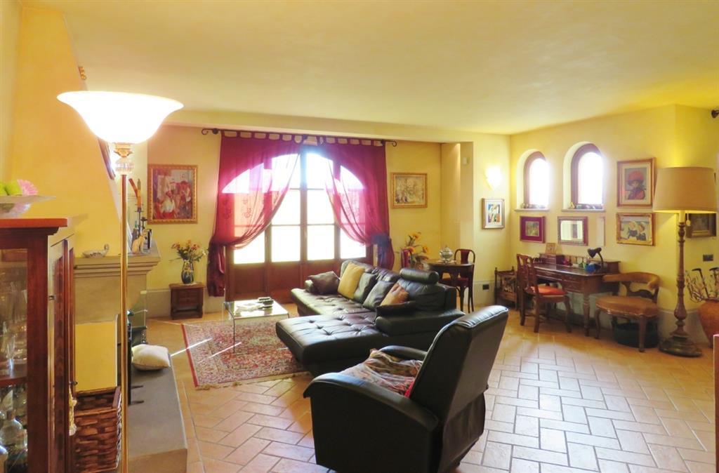 Villa in vendita a Cortona, 7 locali, zona Zona: Camucia, prezzo € 450.000 | Cambio Casa.it