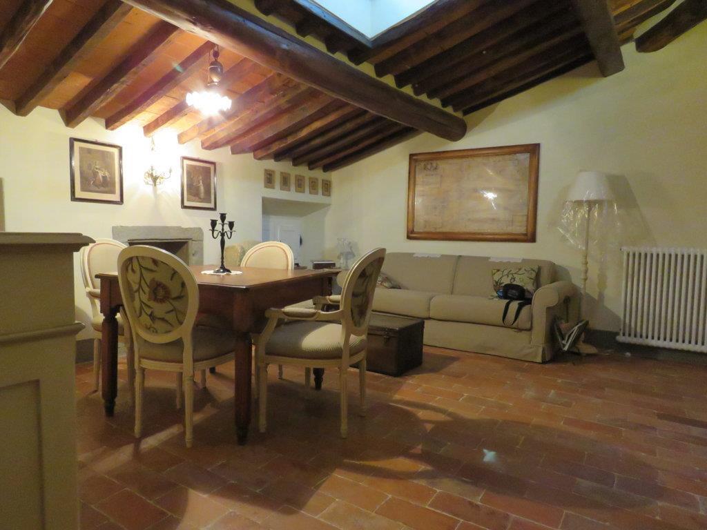 Appartamento in affitto a Cortona, 2 locali, zona Località: PERGO, prezzo € 400 | Cambio Casa.it