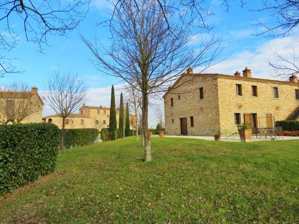 Soluzione Indipendente in vendita a Cortona, 6 locali, prezzo € 450.000 | Cambio Casa.it