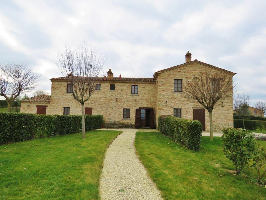Soluzione Indipendente in vendita a Cortona, 5 locali, prezzo € 380.000 | CambioCasa.it