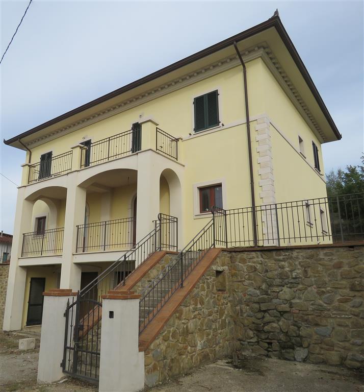 Villa Bifamiliare in Vendita a Castiglion Fiorentino
