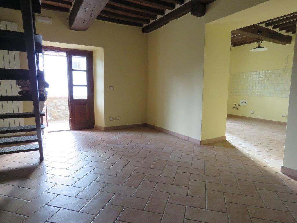 Soluzione Indipendente in affitto a Cortona, 4 locali, zona Zona: Camucia, prezzo € 450 | Cambio Casa.it
