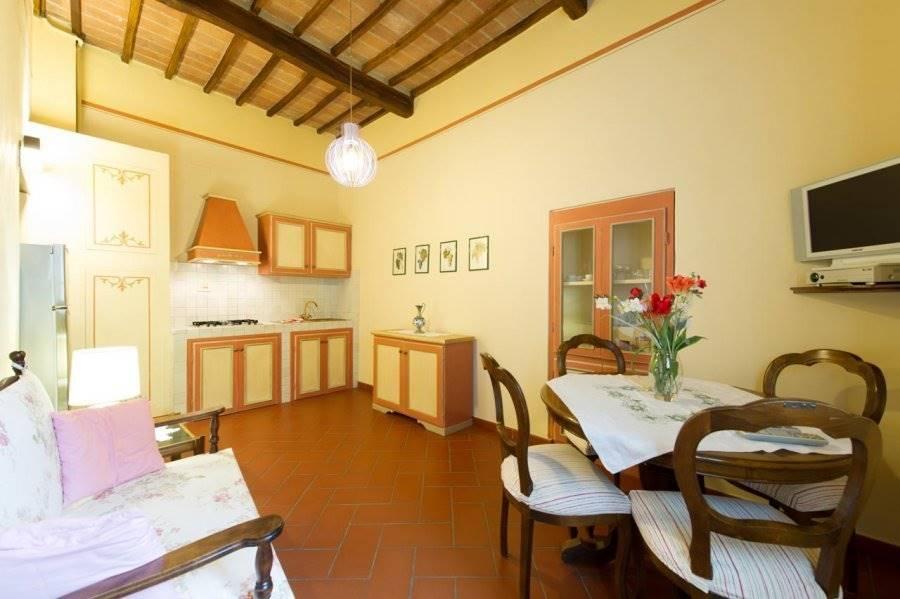 Appartamento in affitto a Cortona, 3 locali, zona Località: CORTONA CENTRO, prezzo € 600 | CambioCasa.it