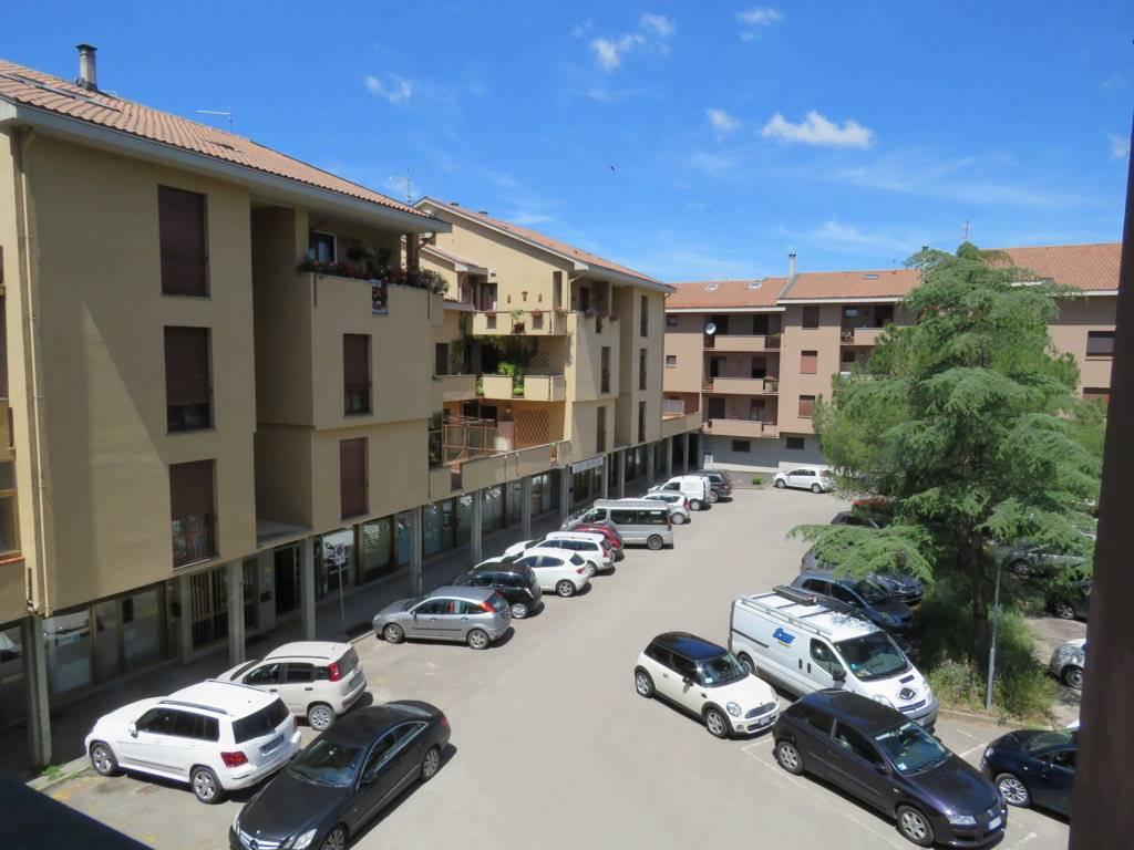 Appartamento in vendita a Cortona, 3 locali, zona Zona: Camucia, prezzo € 90.000 | Cambio Casa.it