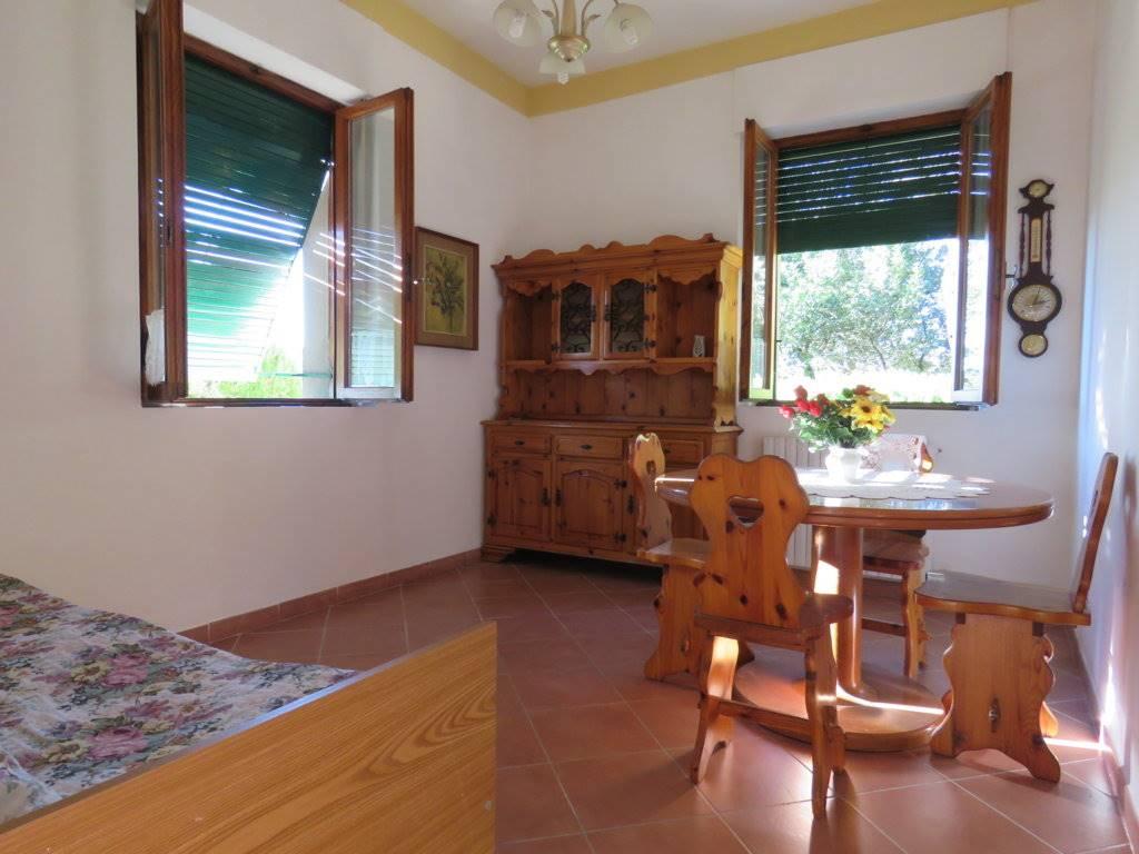 Soluzione Semindipendente in affitto a Cortona, 3 locali, zona Zona: Camucia, prezzo € 450 | Cambio Casa.it