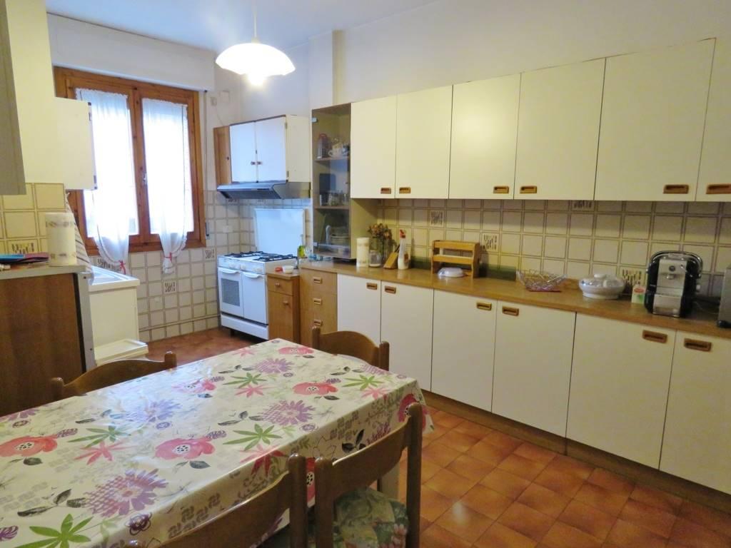 Appartamento in affitto a Cortona, 3 locali, zona Zona: Camucia, prezzo € 420 | Cambio Casa.it