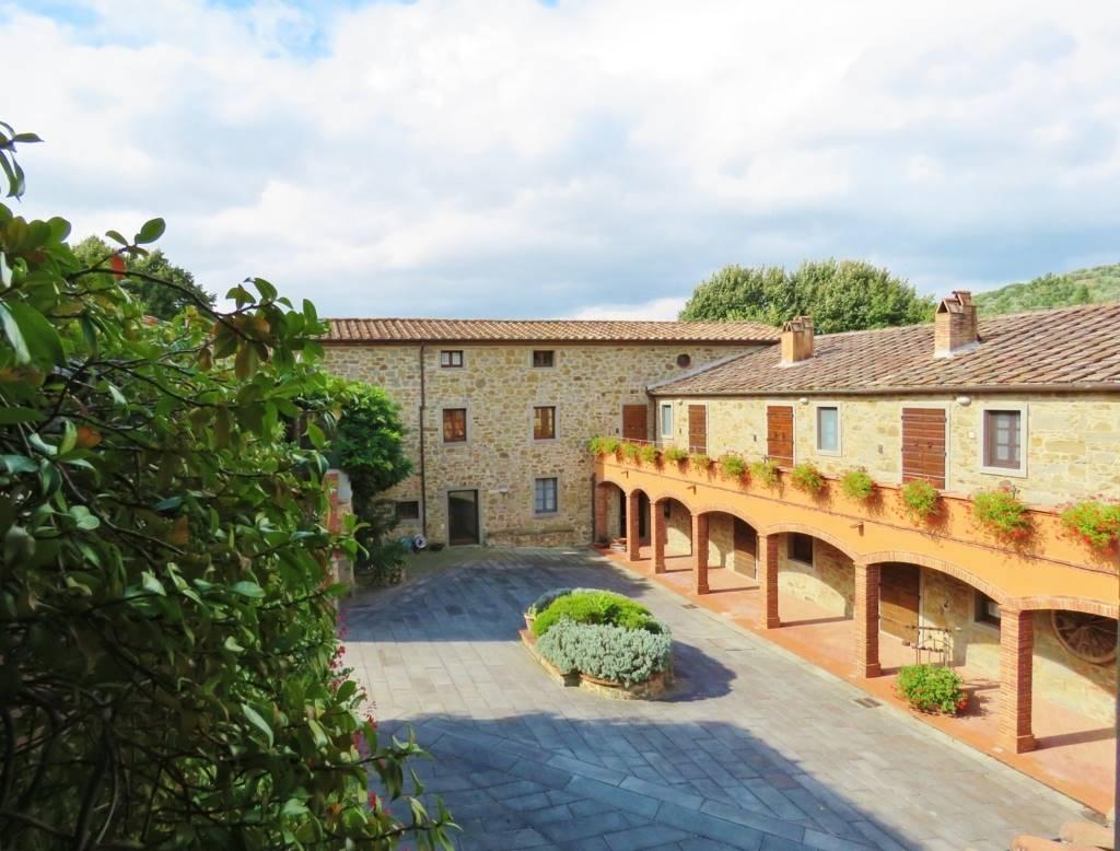 Soluzione Indipendente in vendita a Cortona, 3 locali, zona Località: PERGO, prezzo € 220.000 | CambioCasa.it